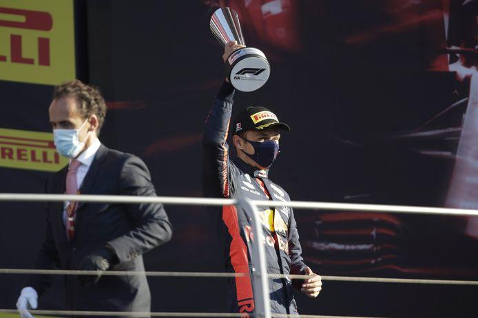 Alexander Albon viert zijn eerste podiumplaats in de Formule 1.