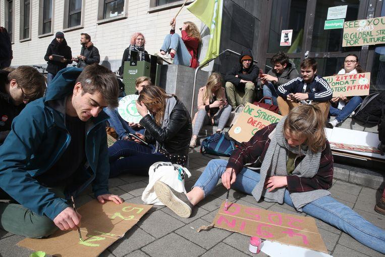 Sit-in voor het klimaat aan de Blandijn.