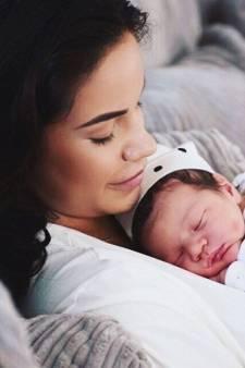 Monica met kindje in het ziekenhuis en nieuwe kicksen voor Memphis