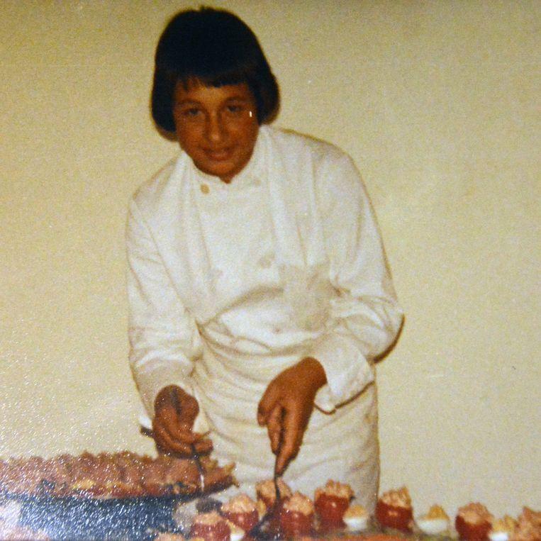 Herbert Robbrecht hielp als 14-jarige knaap al mee bij de bereiding van koude buffetten.