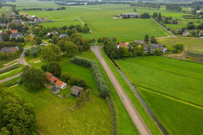 De plek tussen Delwijnen en Wellseind waar de Maas-Waalweg nu nog eindigt in een T-splitsing.