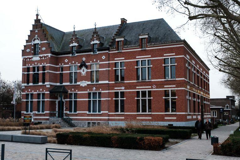 Het Nielse gemeentehuis.