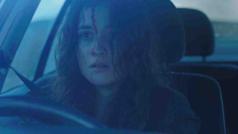 Alice Englert als twintiger Lucy in In Fear (Jeremy Lovering, 2013). Beeld