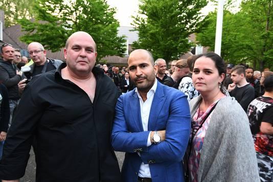 John Bronk (links) en Janice Bronk met hun advocaat Anis Boumanjal op archiefbeeld.