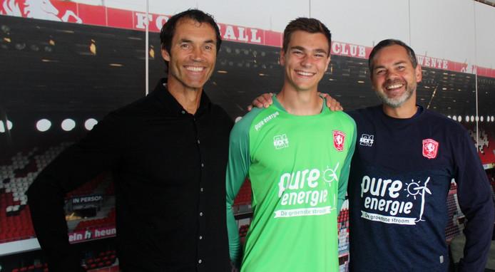 Ennio van der Gouw tekent een contract bij FC Twente