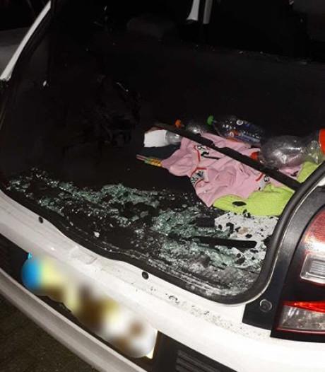 Auto vernield met vuurwerk in Kaatsheuvel