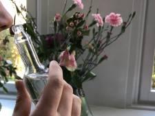 Woede over verpleegkundige Nij Smellinghe die als homeopaat een reukmiddel tegen corona aanprijst