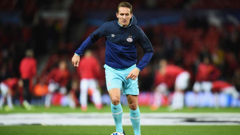 Luuk de Jong doet zijn warming-up in Manchester. Beeld getty