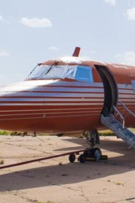 'Vergeten' privéjet Elvis Presley gaat onder de hamer