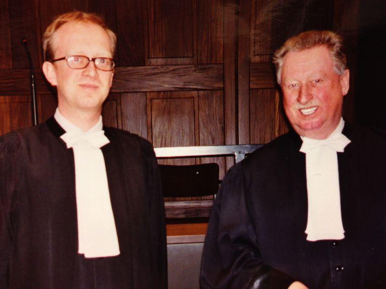 Jan Leysen samen zijn vader Charles Leysen op een assisenproces in 2002.