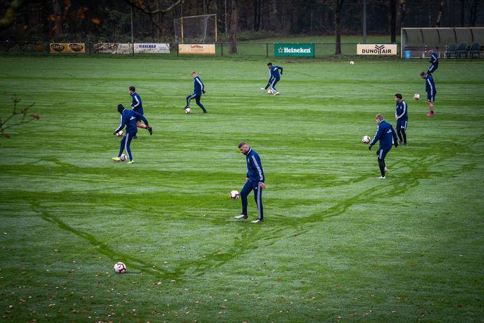 voetbal Duno traint op de zaterdag weer in Doorwerth