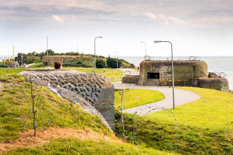 Nadat Stelling Kornwerderzand in Duitse handen viel, werden er drie bunkers bijgebouwd. Beeld Sander Groen