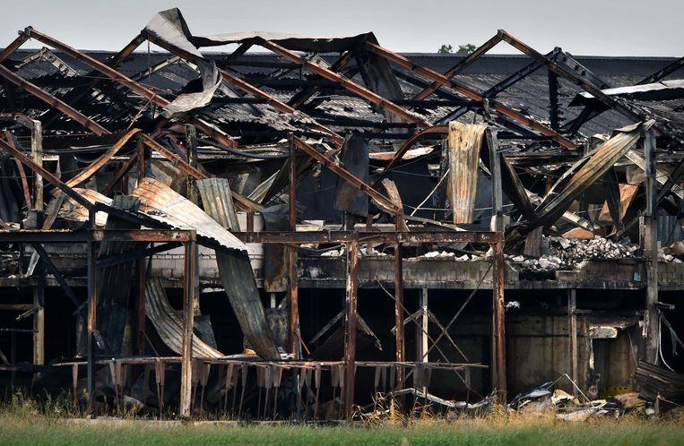 De uitgebrande stal op de Knorhof in Erdichem Beeld null