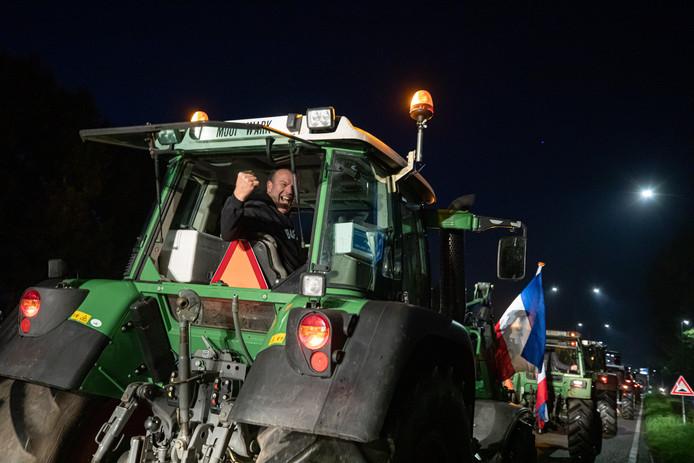 Een strijdbare boer Pieter Kuijer bij het vertrek in Eemnes.