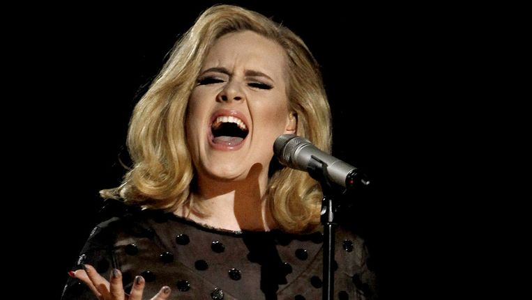 Adele tijdens de uitreiking van de Grammy Awards in februari. Beeld ap