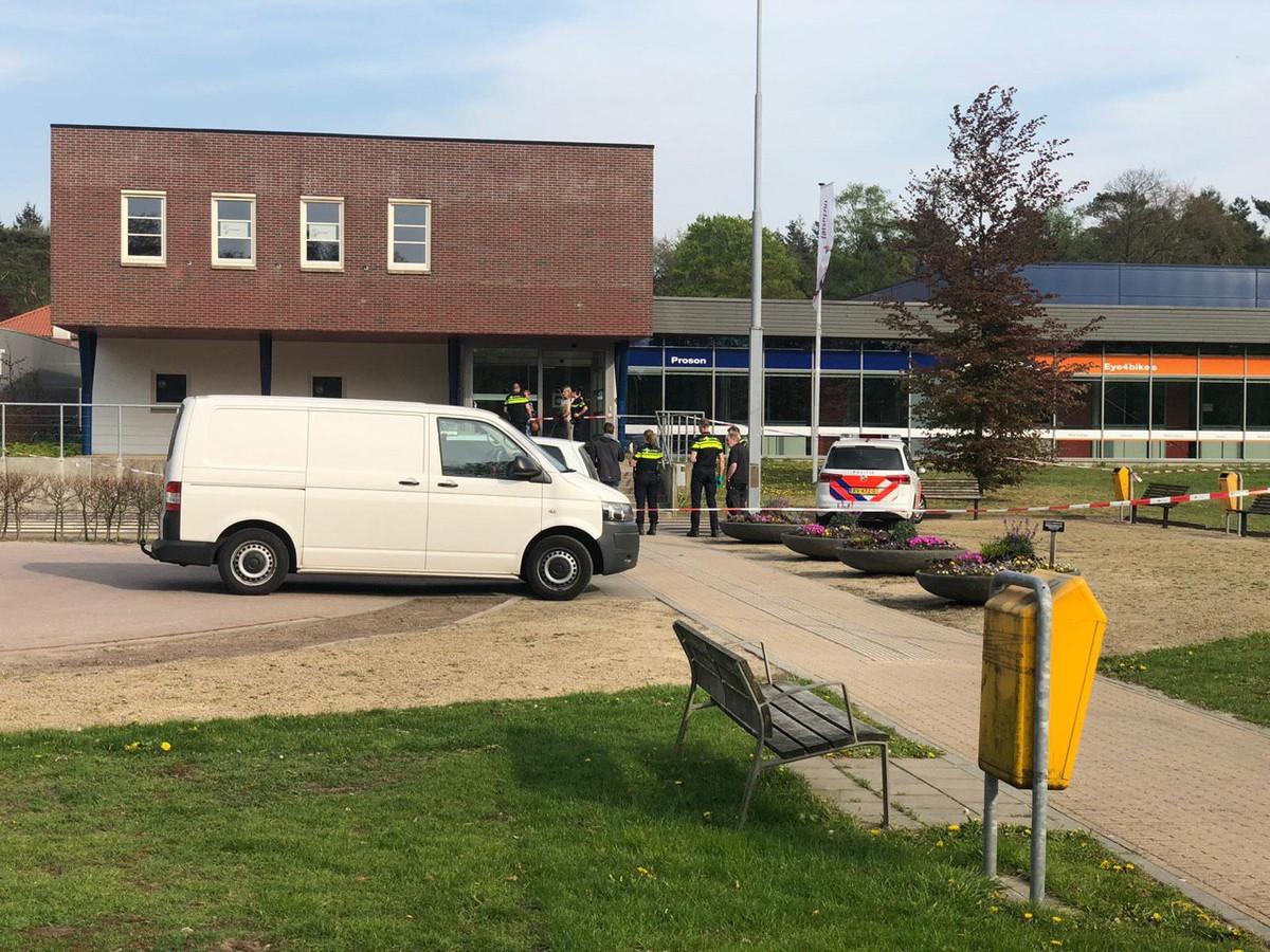 De politie trof dinsdag een overleden persoon in Ermelo aan.