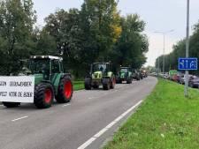 Boze boeren verlaten provinciehuis Utrecht; grote drukte op wegen