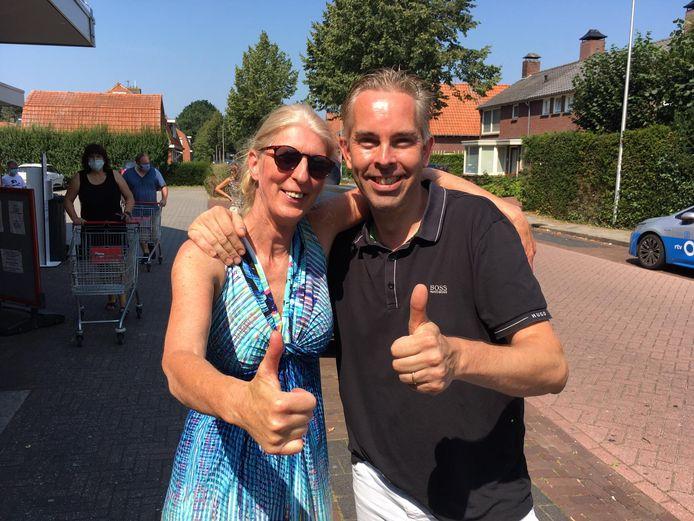 """Marianne Oude Griep van de Vrije Tukkers steunt ondernemer Raymond Berning. """"Ik zie dat klanten zich aan de regels willen houden"""", zegt ze."""