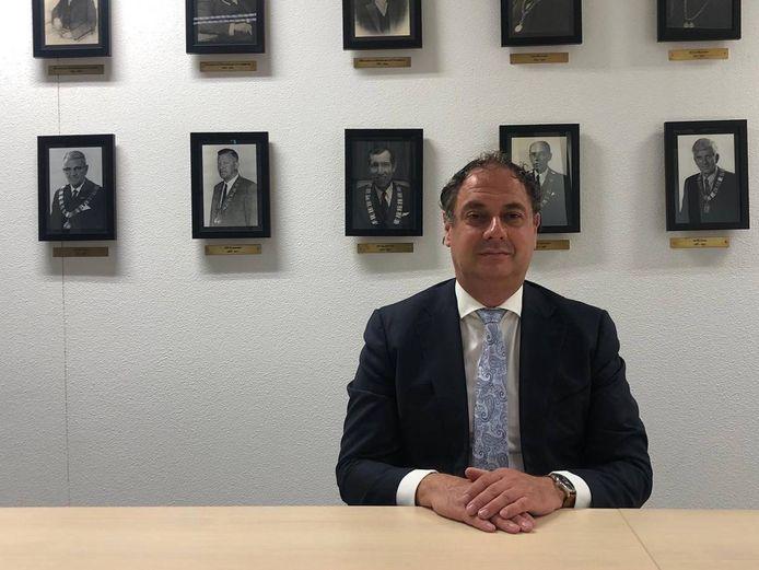 Burgemeester Gerolf Bouwmeester roept Leusdenaren op  zich aan de coronaregels te houden