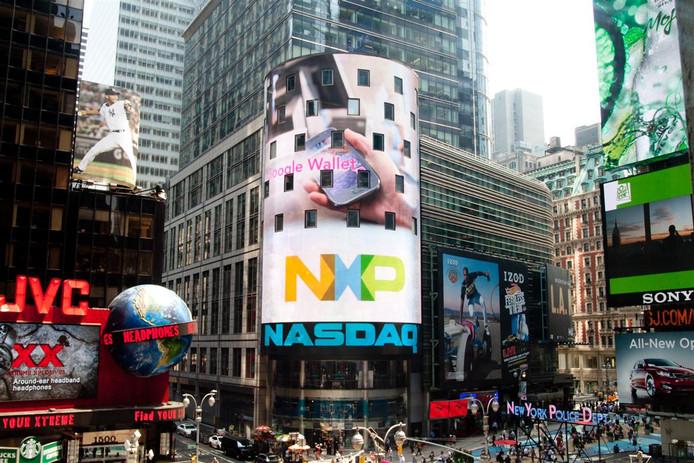 NXP op een groot reclamebord op Time Square, New York