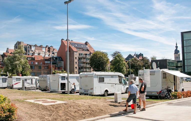 De nieuwe en door Toerisme Vlaanderen erkende mobilhomeparking op De Zaat: meteen een populaire plek onder binnen- én buitenlandse campertoeristen.