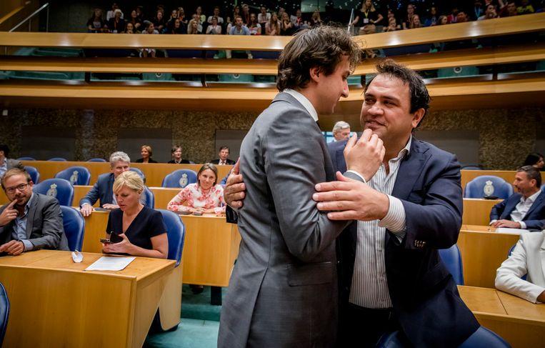 GroenLinks-Kamerlid Zihni Özdil (rechts) moest opstappen na een aanvaring met fractievoorzitter Jesse Klaver (links). Beeld ANP