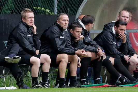 De drie hoofdtrainers van NEC op de bank: François Gesthuizen, Adrie Bogers en Rogier Meijer (v.l.n.r.).