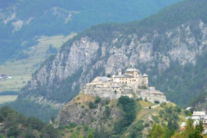 Château Ville Vieille, afkomstig uit de 13d eeuw.