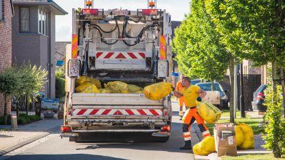 Eén jaar na de nieuwe blauwe zak: hoeveelheid restafval de dieperik in, PMD stijgingen tot vijftig procent