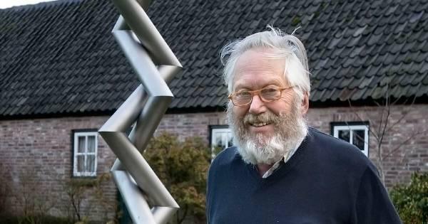 Wiskundige en wiskunstenaar Koos Verhoeff overleden (1927 ...