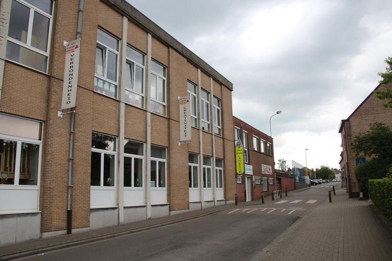 Sint-Jozefschool waar de lagere afdeling een terreuroefening hield.