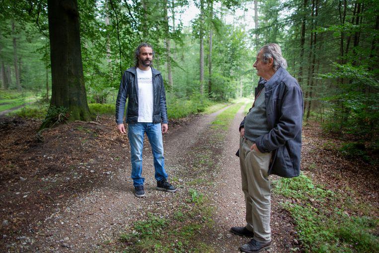 Oene Gorter en zijn zoon Frank (48), vierde generatie eigenaar van landgoed Welna. Beeld Herman Engbers