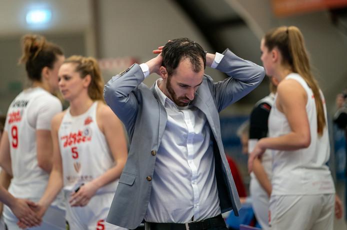 Vertwijfeling bij coach Daan de Heus na zijn beslissende 'fout'.