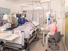 Privéfoto's van coronapatienten aan muur helpen IC-arts Simone (29): 'Ze zien er zo anders uit in ziekenhuisbed'