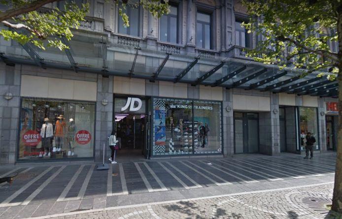 Le magasin du centre-ville liégeois a été pillé mardi.