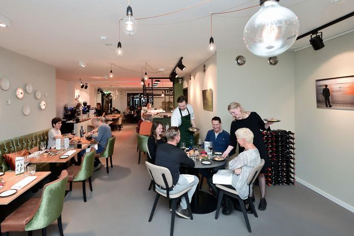 Walter en Vivian Pouwe in hun Restaurant Pouwe in Hoeven.