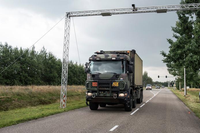 NXP deed proef met speciale identificatiechip voor kentekenplaten van legervoertuigen.