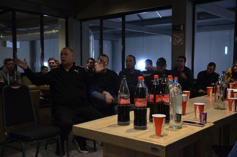 Tijdens de open vergadering namen verschillende supporters het woord.