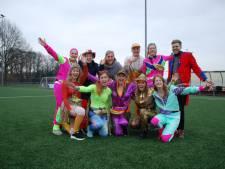 Rossumse carnavalsvierders van 'n Lesten Stuuver gaan voor langste polonaise ooit