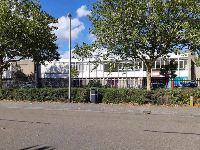 Hette slopen schoolgebouw in de Von Suppéstraat in Drunen.