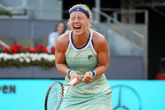 Kiki Bertens schreeuwt het uit na haar zege in Madrid.