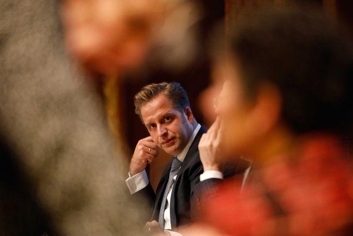Minister Hugo de Jonge (Volksgezondheid) maakt zich grote zorgen over de jeugdhulp aan jongeren met anorexia.