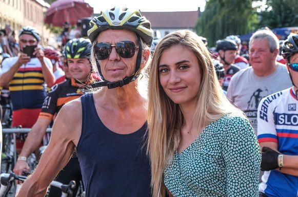 Guido Belcanto en Cameron Vandenbroucke, dochter van, bij de start.