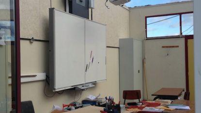 """Rukwind blaast dak van basisschool weg in Gruitrode: """"Alle kinderen zijn ongedeerd"""""""