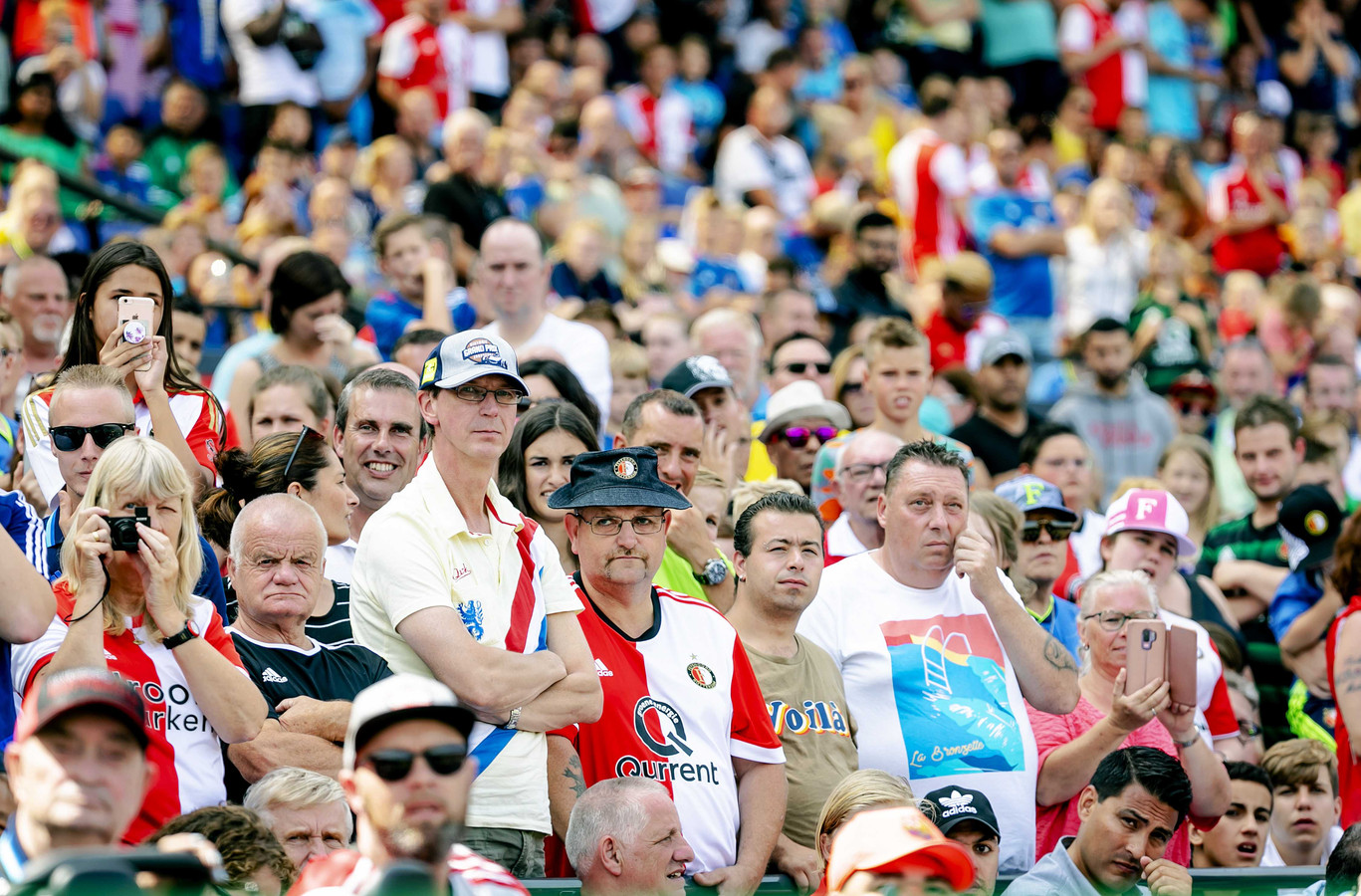 Fans van Feyenoord tijdens de jaarlijkse Open Dag.