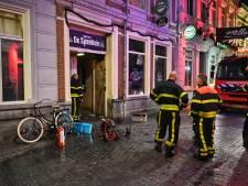 Flinke rookontwikkeling bij brand in café De Speeltuin in centrum Breda