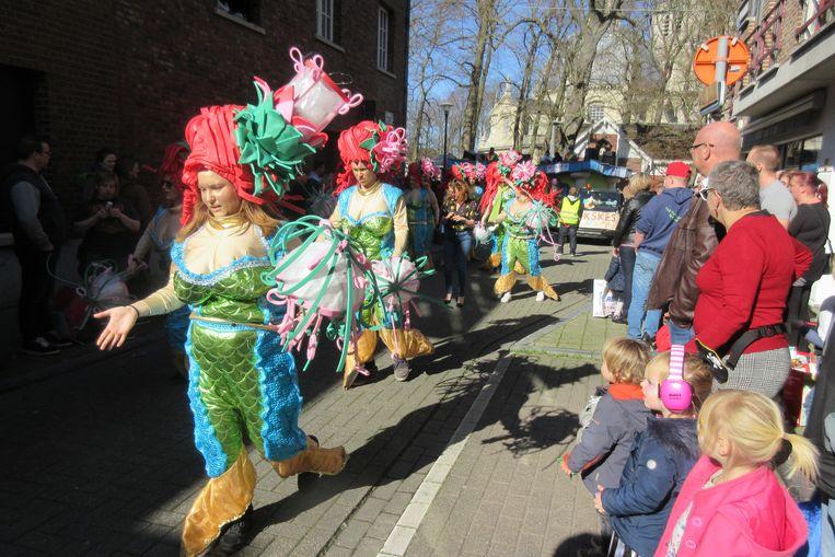 Zuiderse sfeer in de Brouwerijstraat.