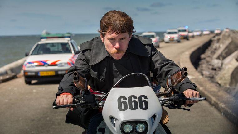 Tim Haars in Ron Goossens, low-budget stuntman. Beeld