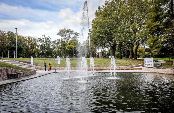 De nieuwe fontein in het Albertpark: hier zou een nieuw kunstwerk kunnen komen