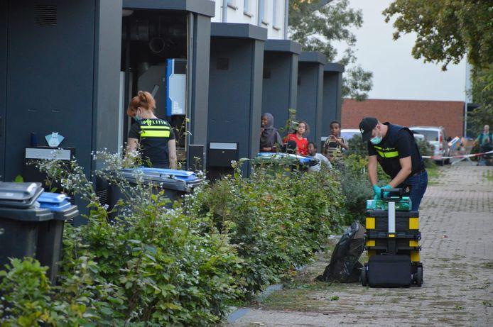 Een inval in de Doeffstraat in Arnhem.